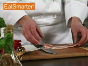 Wie Sie Bacon geschickt in feine Würfel schneiden