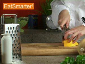 Wie Sie Kürbisfruchtfleisch gekonnt in Julienne schneiden