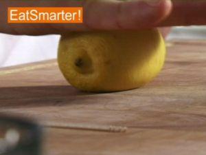 Wie Sie eine Zitrone optimal auspressen