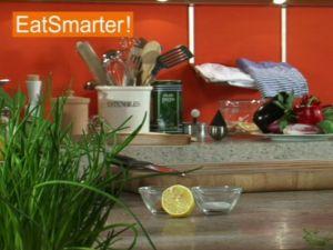 Wie Sie Lachsfilet mühelos in feine Würfel schneiden
