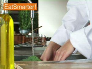 Wie Sie Brokkoli am besten putzen und zerkleinern