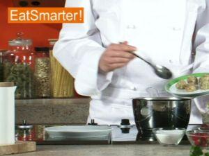 Wie Sie Garnelenbällchen richtig in Salzwasser garen