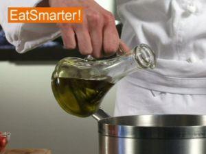 Wie Sie Chorizo-Würfel richtig in Öl anbraten