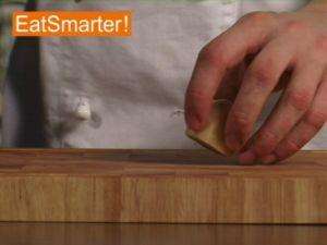 Wie Sie Ingwer ganz einfach in Würfel schneiden