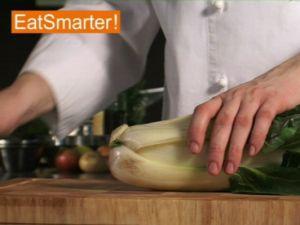 Wie Sie Mangold richtig schneiden