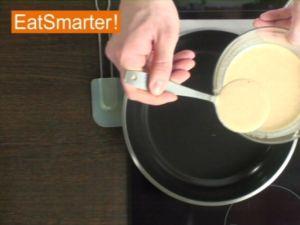 Wie Sie Pfannkuchen ganz einfach wenden
