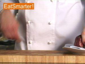 Wie Sie Rindfleisch mühelos in Würfel schneiden