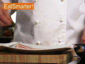 Wie Sie Speckscheiben perfekt knusprig braten