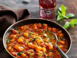 Indische Gemüsesuppe mit roten Linsen Rezept