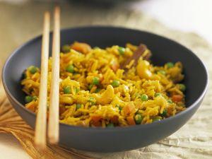 Indischer Safranreis mit Gemüse und Cashewkernen Rezept
