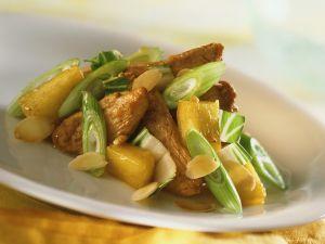 Ingwer-Ananas-Hähnchen mit Frühlingszwiebeln Rezept