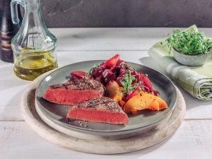 Irisches Rinderfilet mit geschmorter Roter Bete und Pfirsichragout Rezept