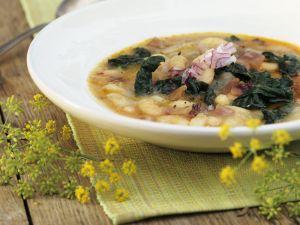 Italienische Bohnensuppe mit Schwarzkohl Rezept