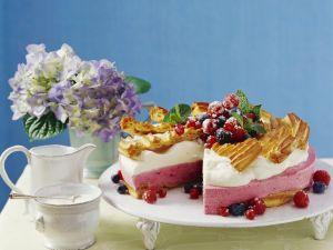 Joghurt-Beeren-Torte Rezept