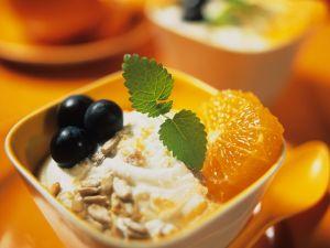Joghurt-Müsli mit Früchten Rezept