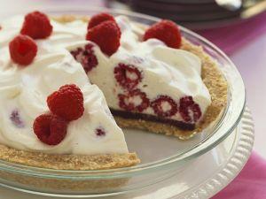 Joghurteis-Pie mit Himbeeren Rezept