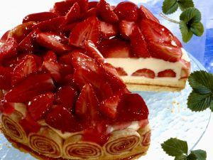 Joghurttorte mit Erdbeeren Rezept