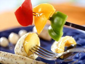 fondue mit gem se im bierteig rezept eat smarter. Black Bedroom Furniture Sets. Home Design Ideas