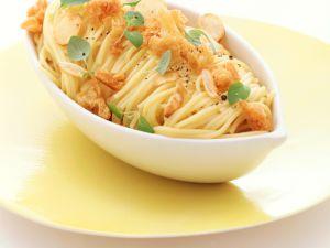 Käse-Spaghettini mit Knoblauch-Croûtons Rezept