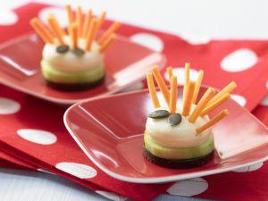 Käseigel mit Möhrenstiften Rezept