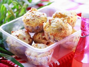 Käsemuffins mit Rohschinken Rezept