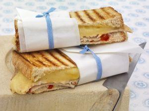 Käsesandwichs mit kaltem Braten Rezept