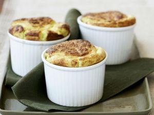 Käsesoufflé mit Spinat Rezept