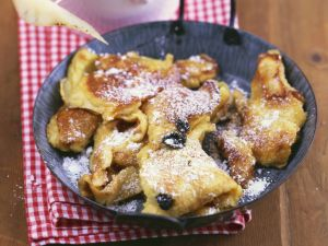Kaiserschmarren mit Vanille-Birnen-Kompott Rezept