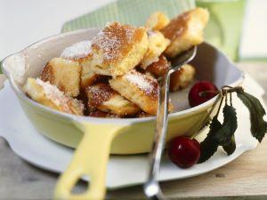 Kaiserschmarrn mit Kirschen Rezept