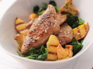 Kalbsleber mit Spinat und Pfirsichen Rezept