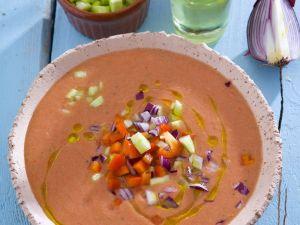 Kalte Gemüsesuppe aus Spanien (Gazpacho) Rezept