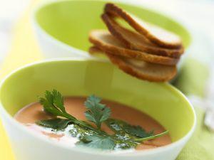 Kalte Tomatensuppe mit Kichererbsen Rezept