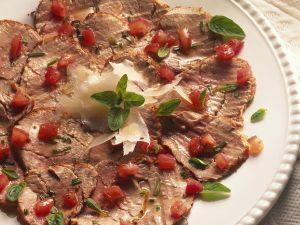 Kalter Schweinebraten mit Tomaten-Dressing Rezept