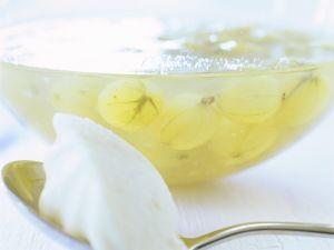 Kaltschale mit Stachelbeeren Rezept