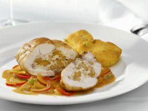 Kaninchenkeule mit Füllung dazu Polenta und Paprikagemüse Rezept