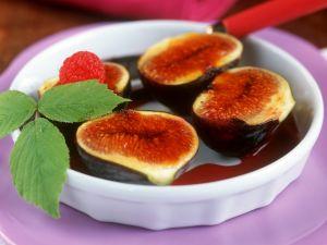 Karamell-Feigen in Rotweinsoße Rezept