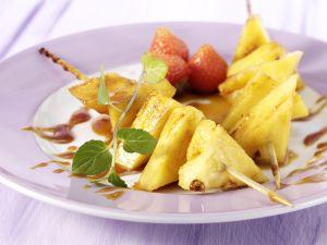 Karamellisierte Ananasspieße Rezept