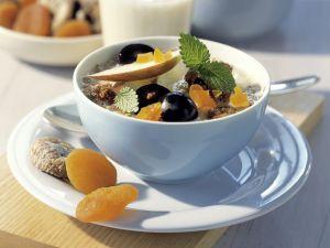 Karamellisiertes Hafer-Müsli mit Früchten Rezept