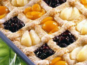 Karo-Kuchen mit Obst Rezept