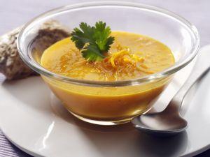 Karotten-Curry-Suppe mit Apfelsine Rezept