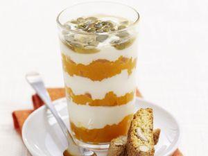 Karotten-Schichtspeise mit Kürbiskernen Rezept