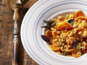 Karottensalat mit Linsen auf orientalische Art Rezept