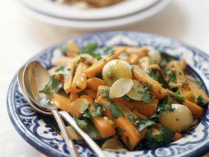 Karottensalat mit Perlzwiebeln und Koriander Rezept