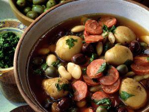 Kartoffel-Bohnen-Eintopf mit Oliven Rezept