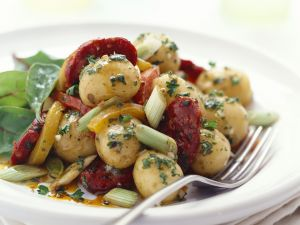 Kartoffel-Chorizo-Salat mit Lauchzwiebeln Rezept