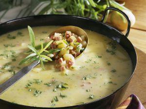 Kartoffel-Estragon-Suppe mit Schinken Rezept