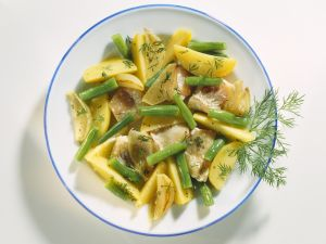 Kartoffel-Fisch-Pfanne mit grünen Bohnen, Dill und Schalotten Rezept