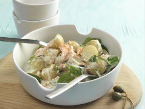 Kartoffel-Lachs-Salat mit Blattspinat Rezept