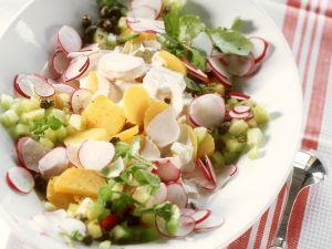Kartoffel-Radieschen-Salat mit Gurke und Wasserkresse Rezept