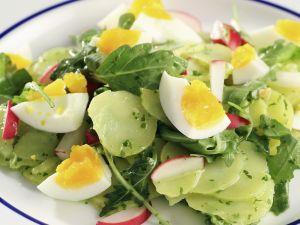 Kartoffel-Rucola-Salat mit Eiern Rezept